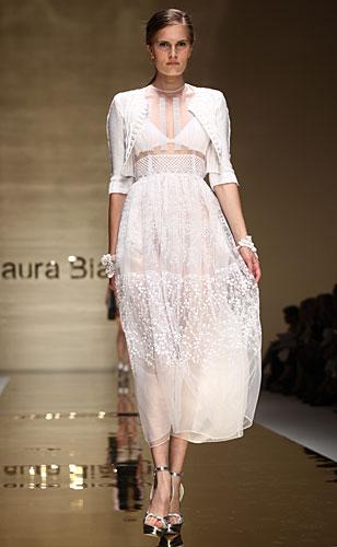 Laura Biagiotti: abito bianco - coprispalle bianco