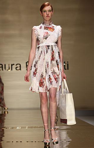 Laura Biagiotti: abito fiori stile impero - cintura