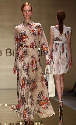 Laura Biagiotti: abito chemisier lungo fiori