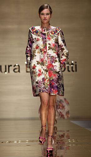 Laura Biagiotti: cappottino fiori