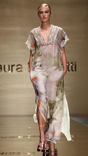 Laura Biagiotti: abito lungo scollo a v - maxi fiori