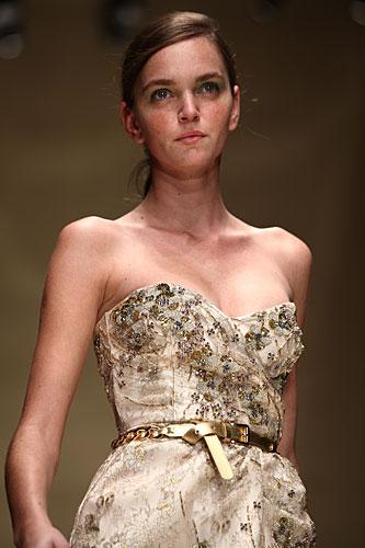 Laura Biagiotti: abito bustier - cintura in vita