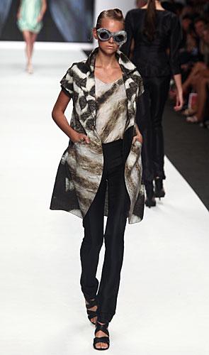 Francesca Liberatore: Giacchina lunga - maglia