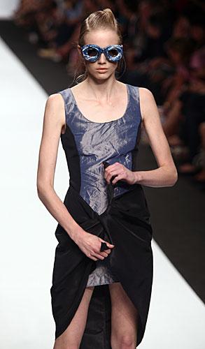 Francesca Liberatore: Occhiali sole - abito corto