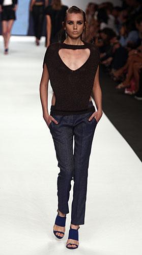 Mauro Gasperi: Maglia scollo a v - pantaloni