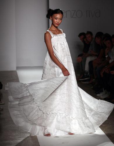 Lorenzo Riva abito bianco