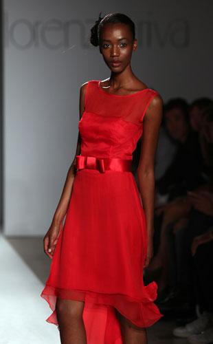 Lorenzo Riva abito rosso fiocco