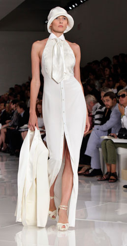 Ralph Lauren: abito lungo bianco con cravatta
