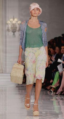 Ralph Lauren: borsa di paglia e zeppa