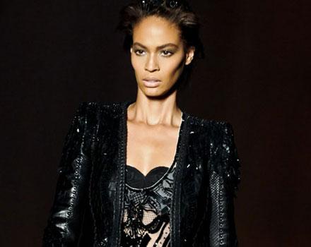 Roberto Cavalli: Giacca nera - maglia decori neri