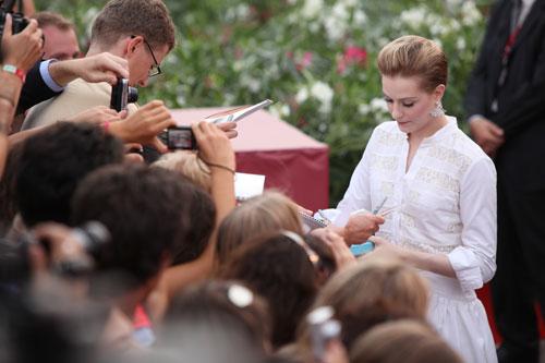Evan Rachel Wood con i fan