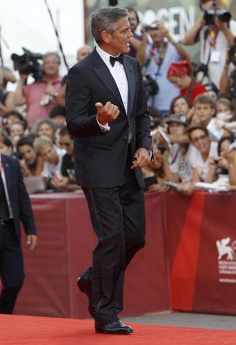 George Clooney in Giorgio Armani