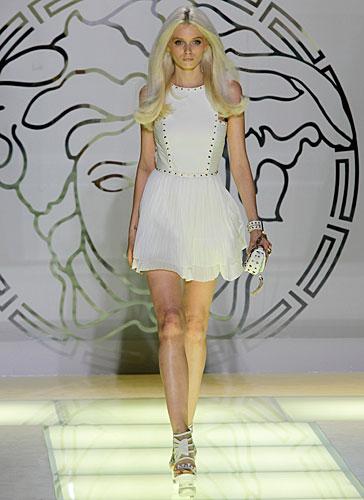 Versace: abito corto bianco