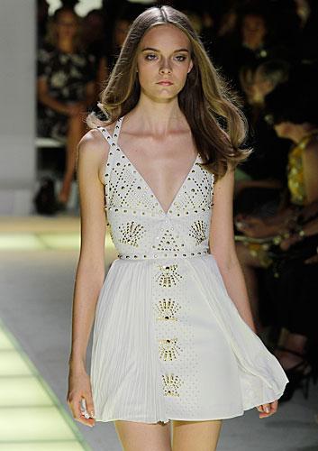 Versace: abito corto scollo a v