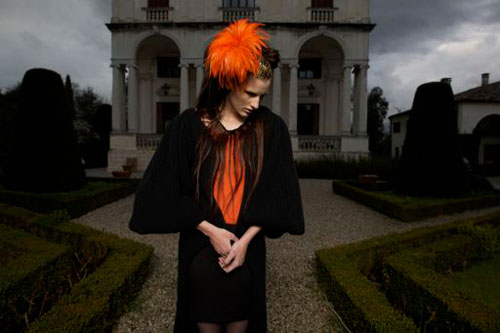 Completo nero e arancio Virginia von zu Furstenberg