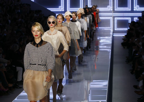 Christian Dior, uscita finale