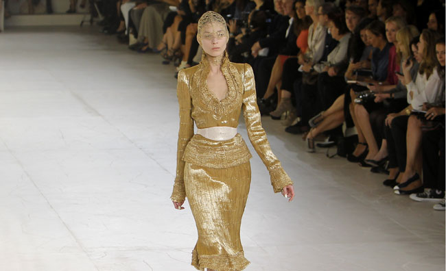 Alexander McQueen, pioggia dorata