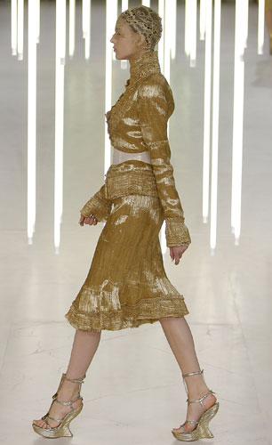 Alexander McQueen, completo oro
