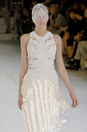 Alexander McQueen, abito bianco