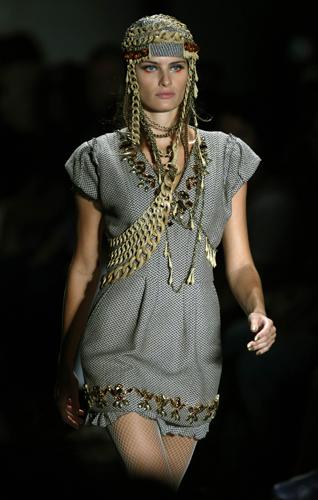 Isabeli Fontana turbante