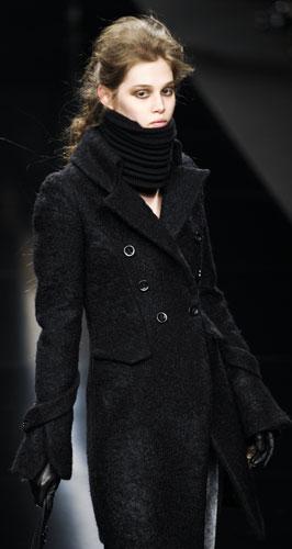 E  tempo del cappotto (lungo fino ai piedi) - www.stile.it 4180df6bb4d