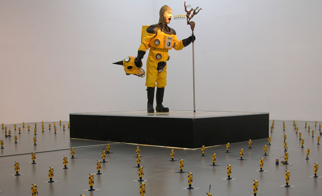 Kenji Yanobe, Atom Suit Project. Antenna of the Earth