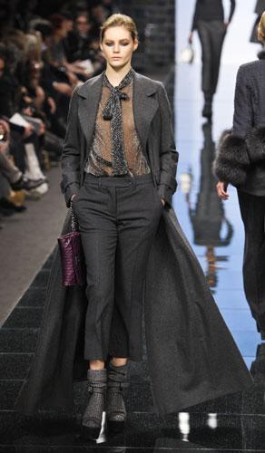 Cappotto, camicia trasparente Ermanno Scervino