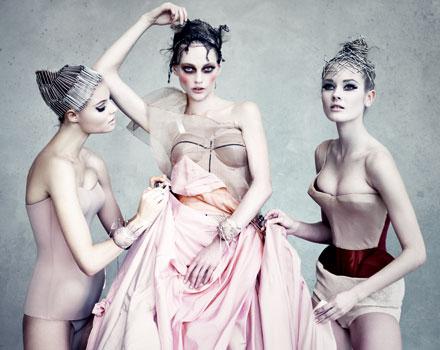Modelle con abiti Dior