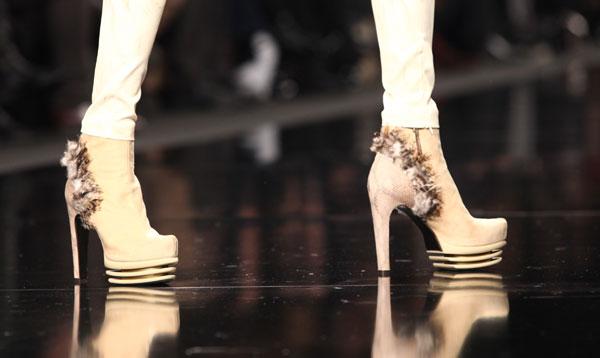 Byblos scarpe con piume
