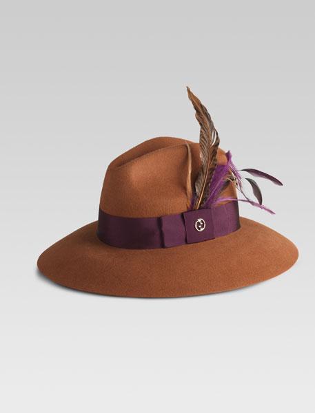 Gucci cappello con piume