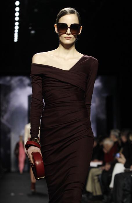 Diane Von Furstenberg - abito marrone con pochette