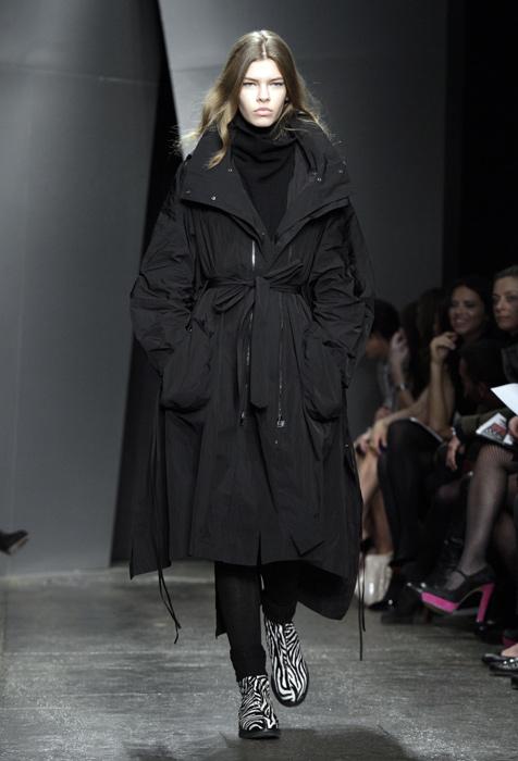 Donna Karan - cappotto nero