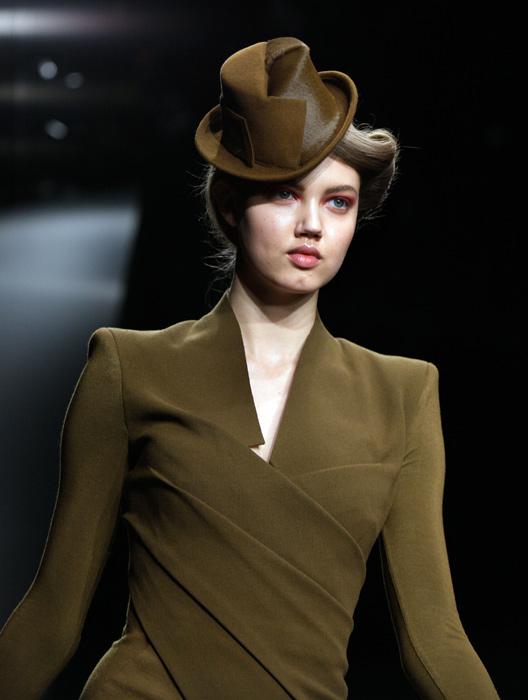 Donna Karan - cappellino marrone