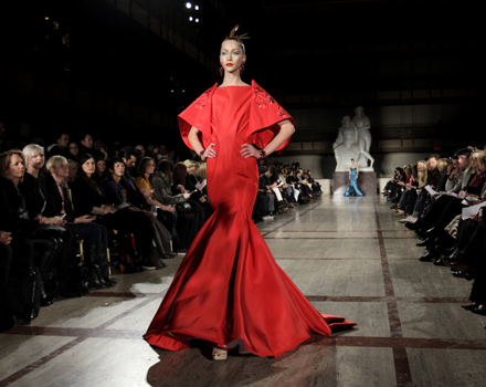 Zac Posen abito rosso maniche a kimono