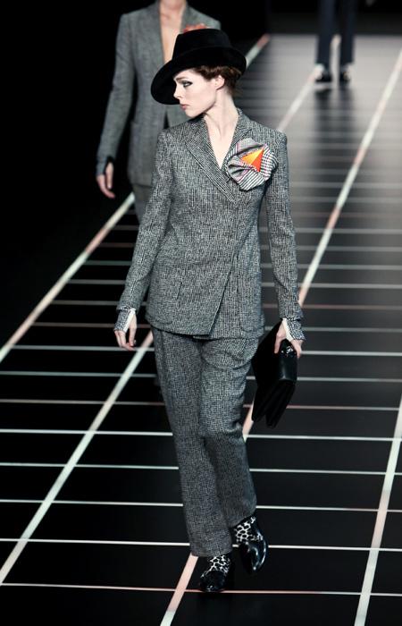 new product 0f347 dea3a Easy Chic e contemporanea: la donna Armani - www.stile.it