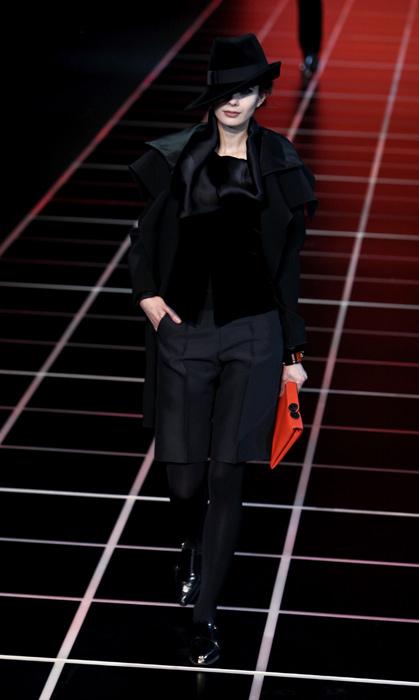 Giorgio Armani 2012 Total Black e Pochette Arancione