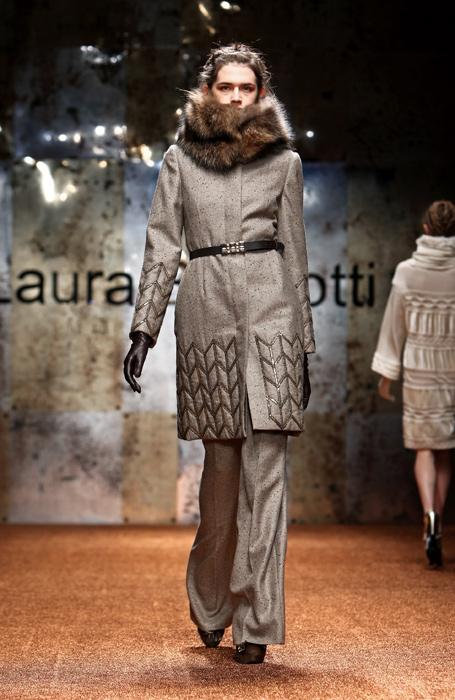 Laura Biagiotti 2012 Cappotto e Cintura Nera