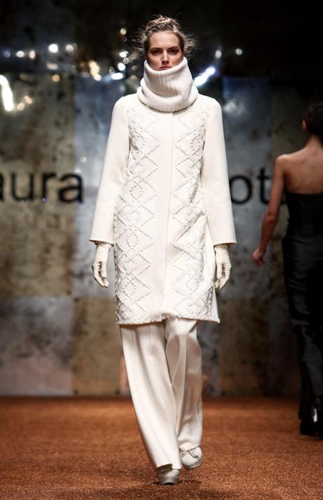 Laura Biagiotti 2012 Total White