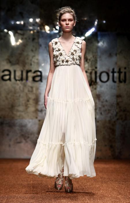 Laura Biagiotti 2012 Abito Bianco e Scarpe con Tacco