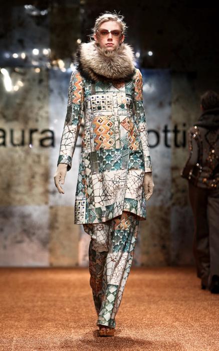 Laura Biagiotti 2012 Collo Pelliccia e Cappotto