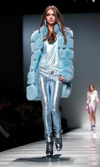 Blumarine 2012 2013 - pelliccia azzurra