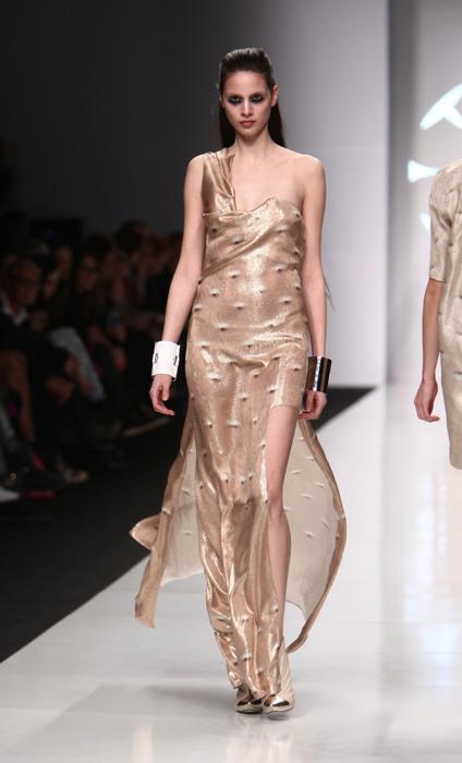 best authentic 74e59 6a466 Byblos: l'abito è in 3D - www.stile.it
