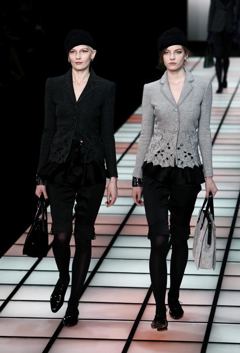 pantaloni corti armani vendita, Donne Collezioni Armani