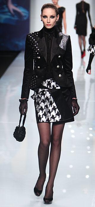 Roccobarocco 2012 2013 - giacca nera guanti trasparenti
