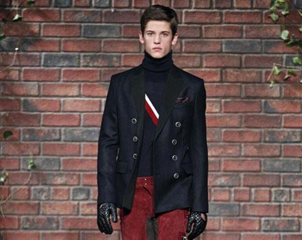 Tommy Hilfiger - pantalone rosso maglia a collo alto