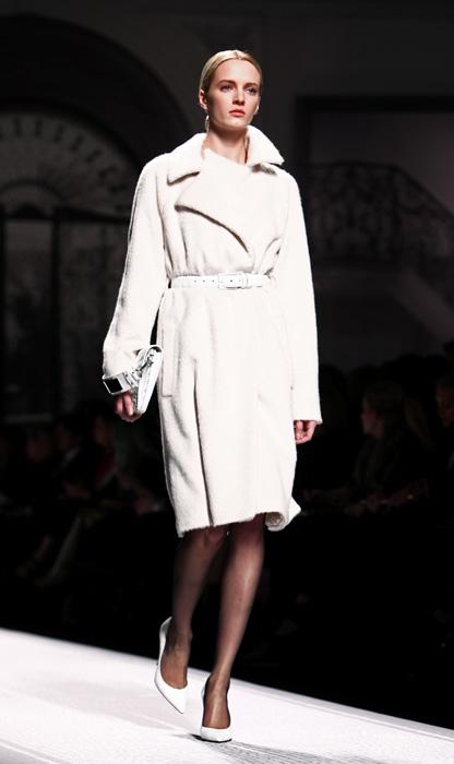 Alberta Ferretti 2012 2013 Cappotto Bianco Cintura