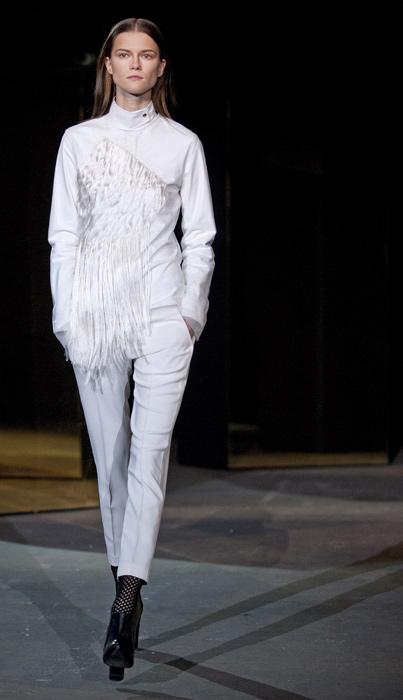 Alexander Wang - completo con pantaloni bianchi
