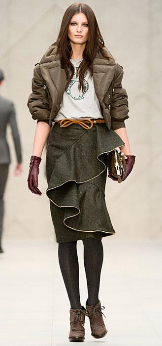 Burberry - giacca corta e pochette