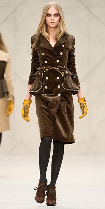 Burberry - tailleur velluto marrone