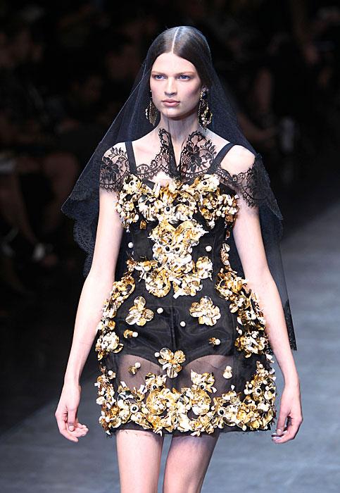 Dolce & Gabbana 2012 Abito Corto e Velo Nero